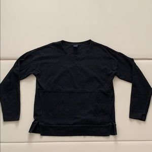 Black Gap long sleeve with kangaroo pouch